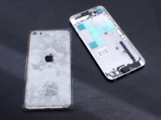 背部設計與iPod touch多有類似