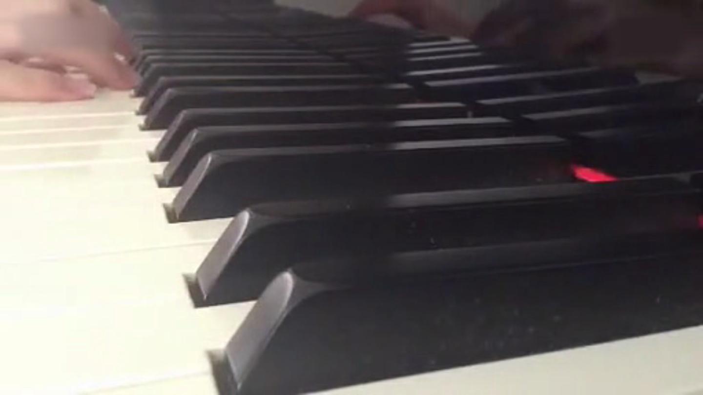 清新唯美《锁链战记》钢琴演奏开场曲