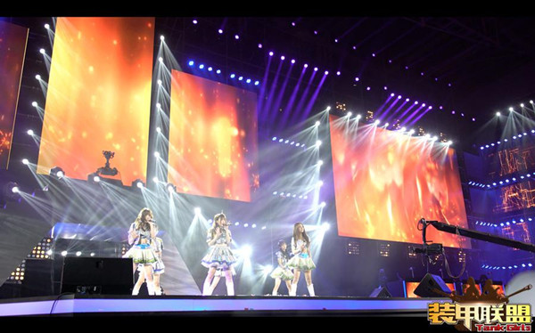 SNH48现场助阵 《装甲联盟》首次公开亮相